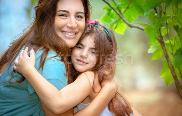 Família feliz vida retrato bonitinho menina prazer Foto stock © Anna_Om