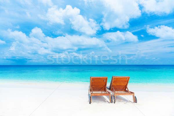 Dois vazio espreguiçadeira praia belo marinha Foto stock © Anna_Om