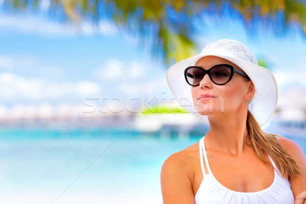 Mooie vrouw zomer vakantie portret permanente Stockfoto © Anna_Om