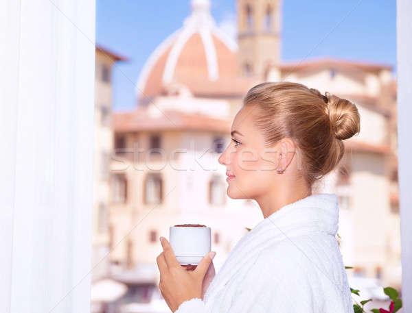 Potável café varanda vista lateral bela mulher Foto stock © Anna_Om