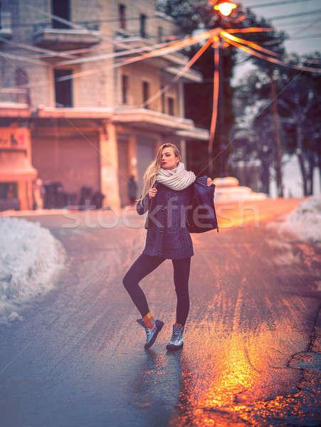 スタイリッシュ 少女 通り ポーズ 道路 市 ストックフォト © Anna_Om