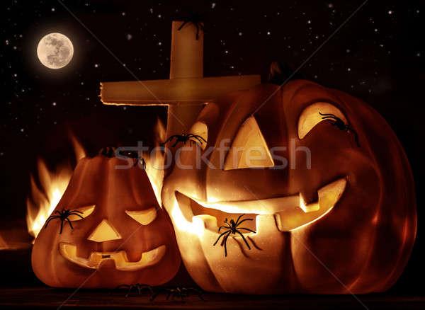 Hátborzongató halloween éjszaka izzó sütőtök ijesztő Stock fotó © Anna_Om