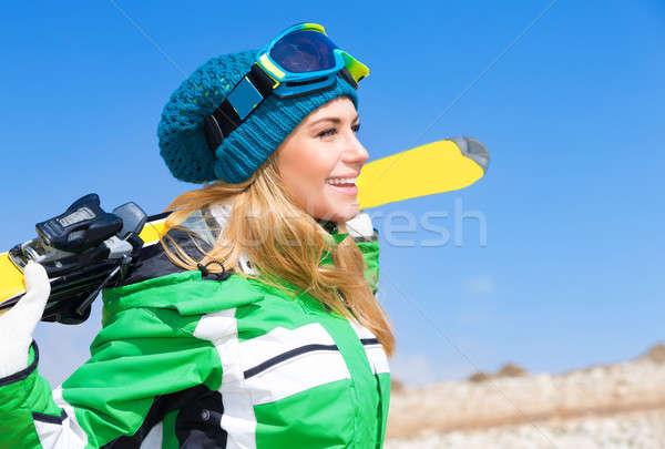 Belo esquiador mulher blue sky Foto stock © Anna_Om