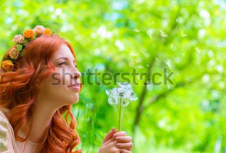 Mulher flores silvestres retrato belo floresta Foto stock © Anna_Om