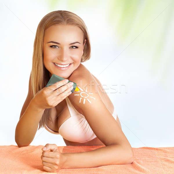 Beautiful girl protetor solar belo jovem feminino Foto stock © Anna_Om
