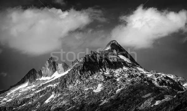 Majestueux montagnes paysage blanc noir photo dramatique Photo stock © Anna_Om