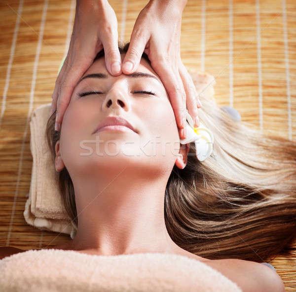 Vrouw massage gezicht masseuse mooie Stockfoto © Anna_Om