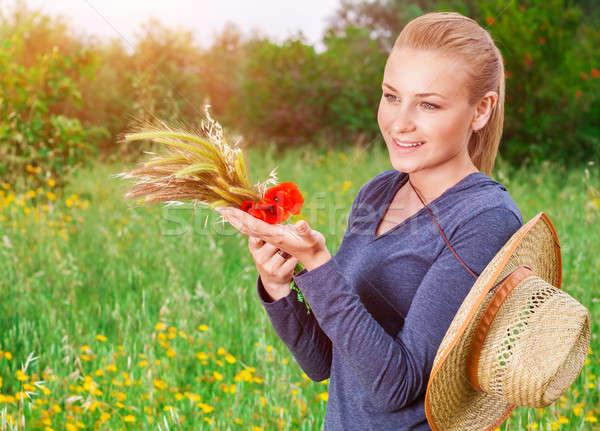 Foto stock: Belo · jeans · menina · em · pé · verde · floral