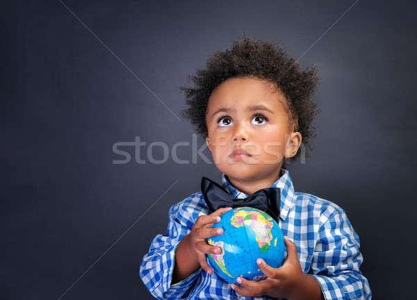 Stockfoto: Weinig · schooljongen · wereldbol · handen · portret · cute