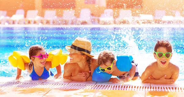 幸せな家族 プール アクティブ 時間 一緒に ストックフォト © Anna_Om