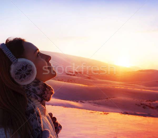Photo stock: Trekking · fille · photo · jolie · femme · marche · montagnes