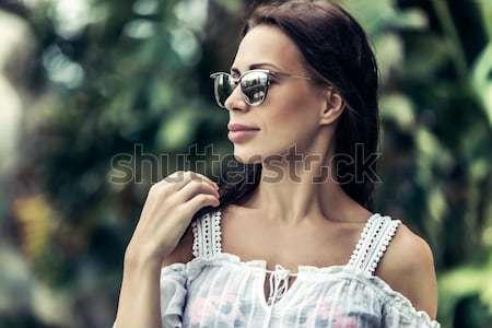 Сток-фото: красивая · женщина · портрет · Солнцезащитные · очки · экзотический