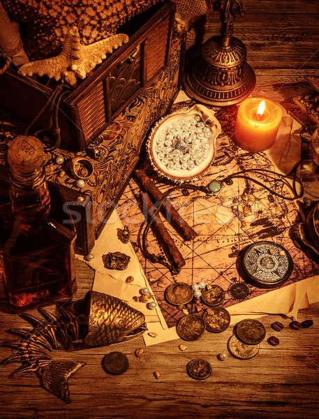 Piratas tesouro natureza morta mesa de madeira luxo medieval Foto stock © Anna_Om