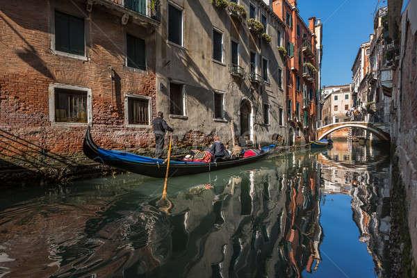 Hagyományos Velence keskeny csatorna Olaszország víz Stock fotó © anshar