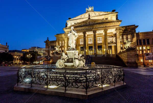 Escultura concerto ouvir praça noite Berlim Foto stock © anshar