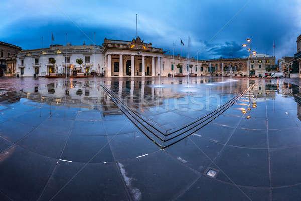 Fontein vierkante regenachtig ochtend water Stockfoto © anshar