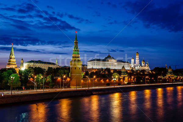 Moskou Kremlin rivier verlicht avond Rusland Stockfoto © anshar