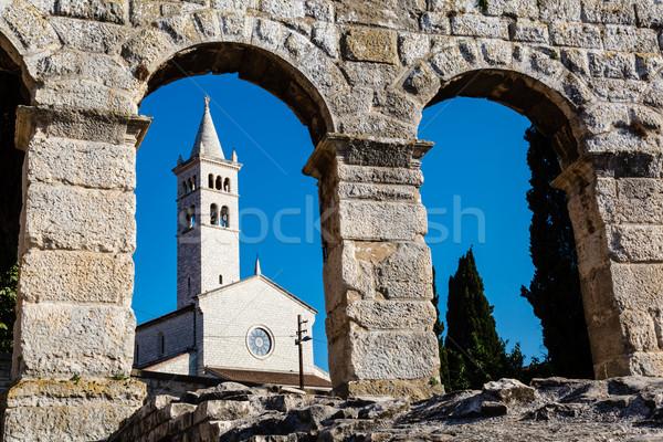 Beyaz kilise kemer eski Roma amfitiyatro Stok fotoğraf © anshar