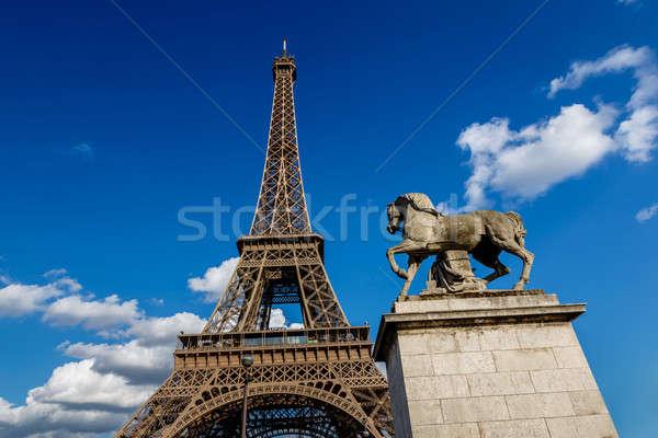 Eyfel Kulesi at heykel ön plan Paris Fransa Stok fotoğraf © anshar