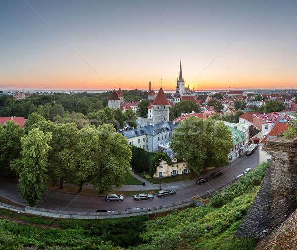 Luchtfoto Tallinn oude binnenstad heuvel dawn Estland Stockfoto © anshar