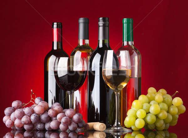 Stockfoto: Flessen · bril · druiven · verscheidene · witte · rode · wijn