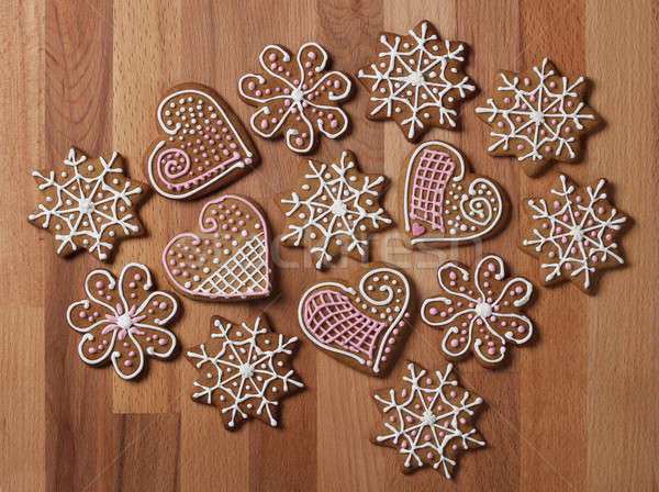 Dekore edilmiş Noel zencefilli çörek kurabiye ahşap arka plan Stok fotoğraf © Anterovium
