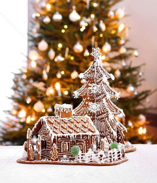 Foto stock: Pão · de · especiarias · casa · de · campo · árvore · de · natal · casa · casa · interior