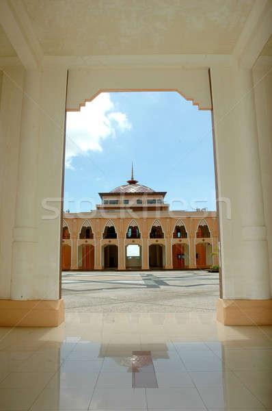 ストックフォト: 表示 · モスク · インドネシア · 空 · 市 · 旅行