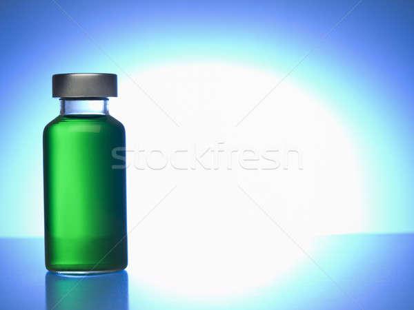 Fiolka zielone płynnych kopia przestrzeń medycznych Zdjęcia stock © antonprado