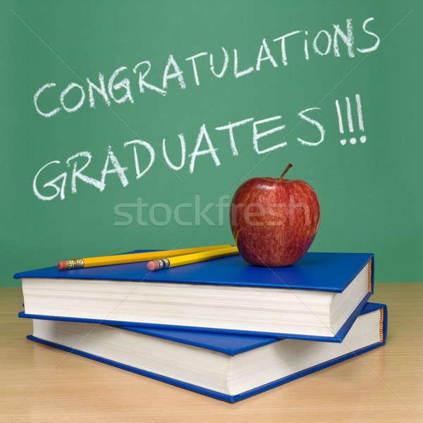 Parabéns graduados escrito quadro-negro livros lápis Foto stock © antonprado