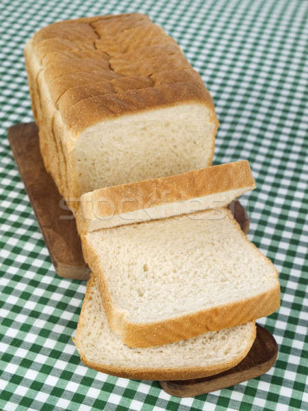 Chleba bochenek serwowane deska do krojenia Zdjęcia stock © antonprado