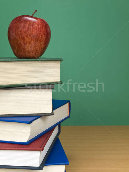 Jabłko górę książek owoców Zdjęcia stock © antonprado