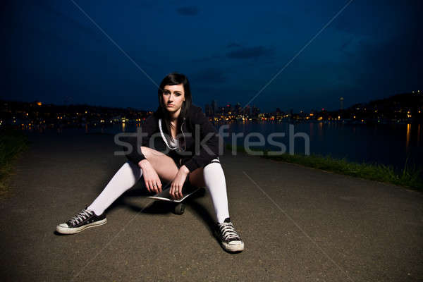 Bella skater teen girl outdoor moda Foto d'archivio © aremafoto