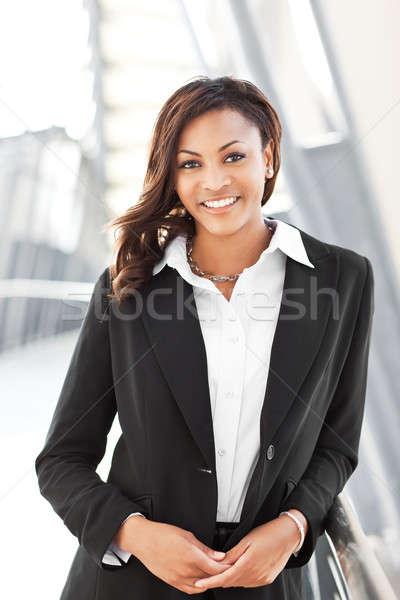 Preto empresária tiro belo ao ar livre feliz Foto stock © aremafoto