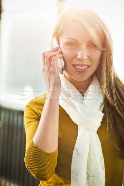 Foto stock: Caucásico · teléfono · mujer · hermosa · mujer · hablar · teléfono