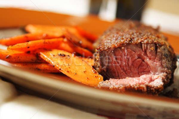 Carne de vacuno frito zanahorias lado carne Foto stock © aremafoto