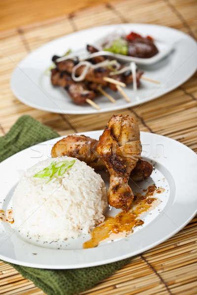 Tavuk köri domuz eti atış yemek beyaz plakalar Stok fotoğraf © aremafoto