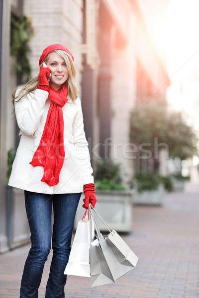 Stock fotó: Kaukázusi · nő · vásárlás · hordoz · bevásárlótáskák · beszél