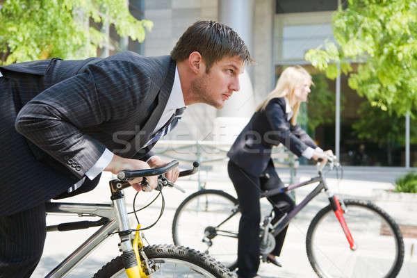 Geschäftsleute racing Fahrräder zwei Fahrrad Stock foto © aremafoto