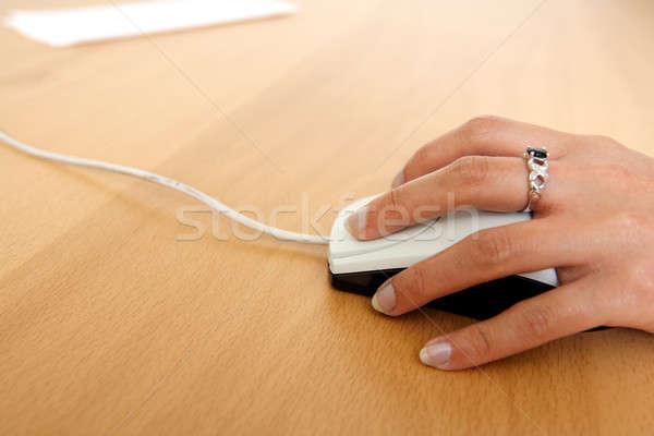 с помощью мыши деловая женщина бизнеса женщину работу технологий Сток-фото © aremafoto