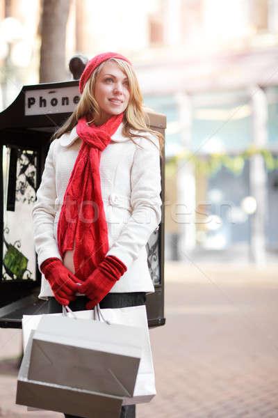 Kaukasisch vrouw winkelen outdoor Stockfoto © aremafoto