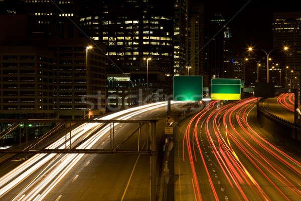 Hora do rush tráfego tempo exposição tiro centro da cidade Foto stock © aremafoto