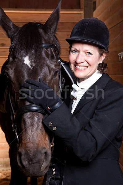 Senior vrouw paard kaukasisch vrouwelijke Stockfoto © aremafoto