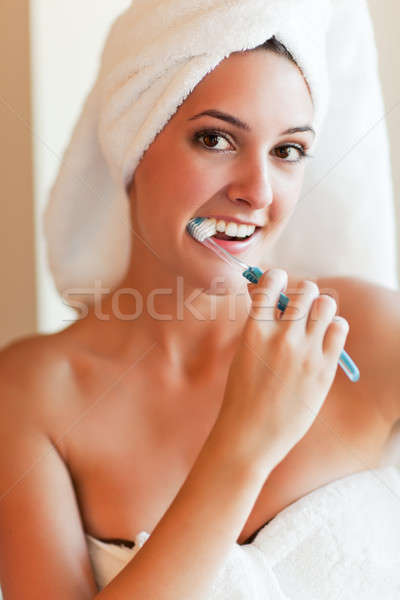 Vrouw shot jonge mooie vrouw gezondheid Stockfoto © aremafoto