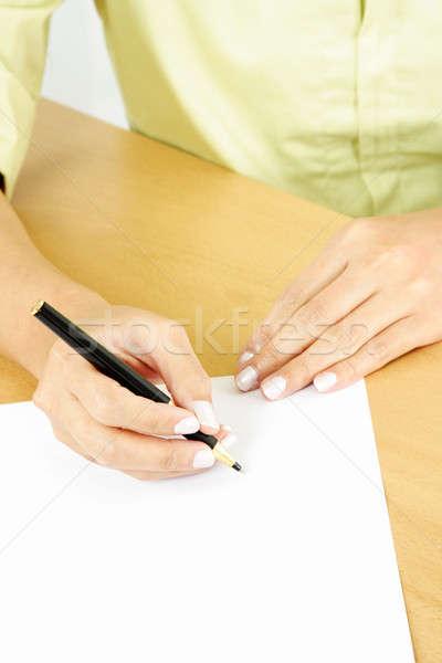 Empresária escrita peça papel em branco negócio escritório Foto stock © aremafoto