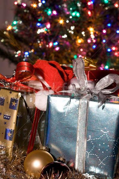 Сток-фото: Рождества · подарки · выстрел · рождественская · елка · зима · лук