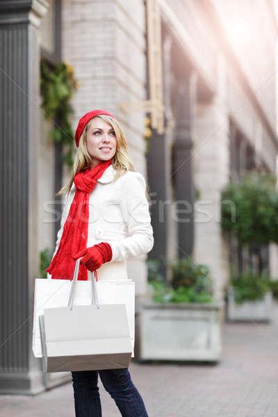 Stock fotó: Kaukázusi · nő · vásárlás · hordoz · bevásárlótáskák · szabadtér