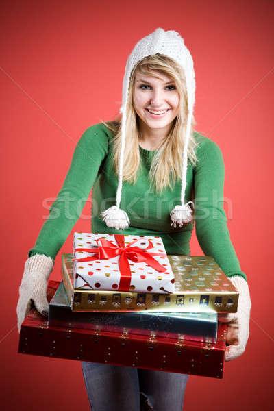 Filles cadeaux belle fille Photo stock © aremafoto