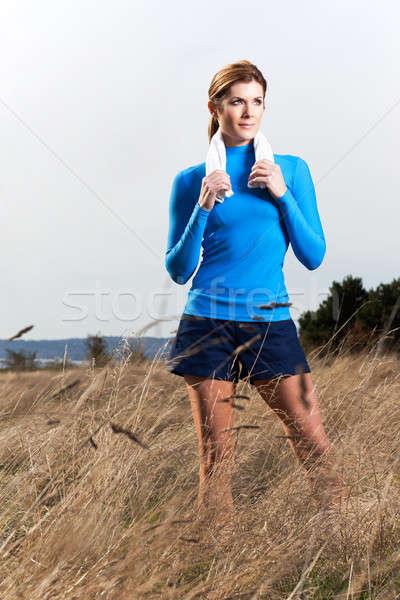 Ativo mulher tiro belo caucasiano ao ar livre Foto stock © aremafoto