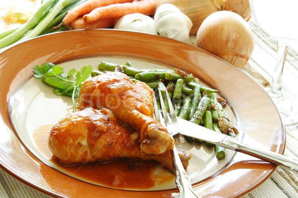 Gebakken kip benen tomatensaus groene bonen kant Stockfoto © aremafoto